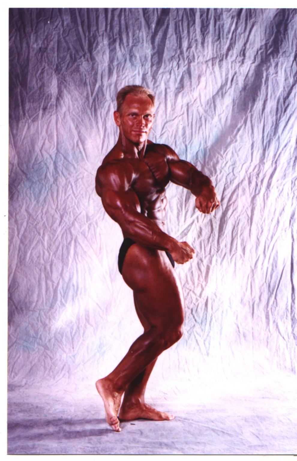 backstagemusclemania2001.jpg